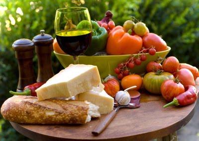La dieta mediterranea tiene lontane numerose malattie, come il Parkinson