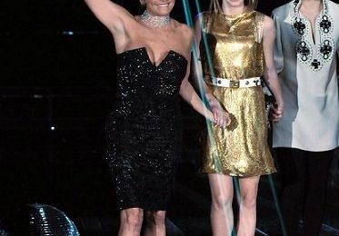 Salvatore Ferragamo veste ancora Simona Ventura per la semifinale di X-Factor 5