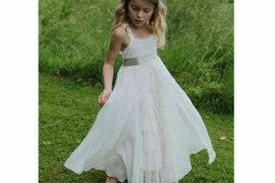 Gli abiti per le piccole damigelle della sposa, vediamo come sceglierli [FOTO]