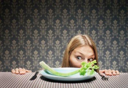 Dieta dimagrante, le donne mentono 474 volte l'anno sul cibo e sul peso