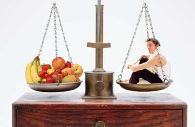 Perdere peso in modo efficace? E' possibile solo dimezzando le calorie