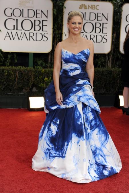 Sarah Michelle Gellar e il suo abito Monique Lhuillier incantano ai Golden Globes