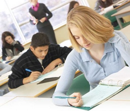 Peso forma, voti più alti agli studenti magri: la proposta di Pierre Dukan