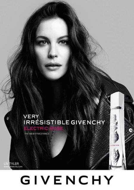 Givenchy: il profumo 'Very Irresistible Electric Rose' con Liv Tyler