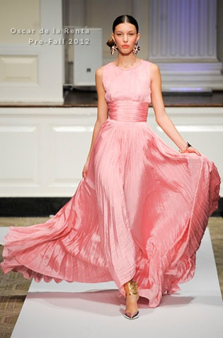 Sarah Jessica Parker In Oscar de la Renta amfAR New York Gala To Kick Off Fall 2012 Fashion Week