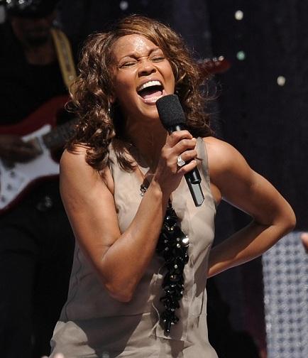 """L'ultima Whitney Houston la vedremo nel film """"Sparkle"""": nelle sale ad agosto"""