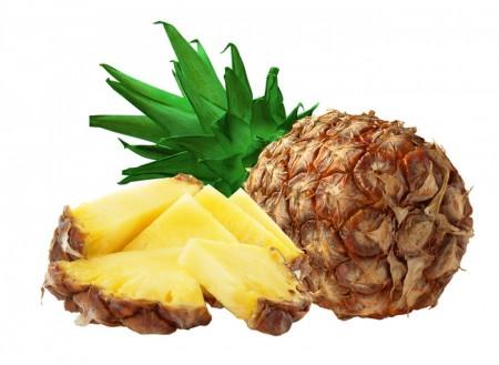 Frutta: ananas, ribes nero e prugne contro i pranzi troppo grassi