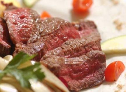La carne rossa in una dieta equilibrata fa bene, ma senza esagerare