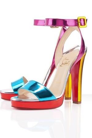 christian louboutin echasse ankle wrap platform sandali