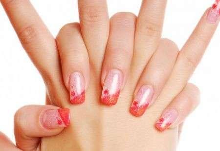 Decorazioni unghie: vivaci e trendy per uno stile unico [Foto]