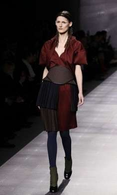 "Milano Fashion Week A/I 2012-13: Fendi presenta una donna ""barbarica"" ma glam [Foto]"