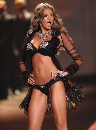 Victoria's Secret perde uno dei suoi angeli, Kylie Bisutti dice addio alla lingeria