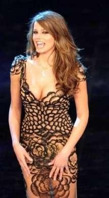 Sanremo 2012, per il gran finale Ivana Mrazova veste Fausto Sarli ed è una visione