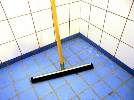 pulire casa candeggina