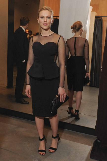 """Abito Stella McCartney per Scarlett Johansson all'evento """"Runway to Win"""""""