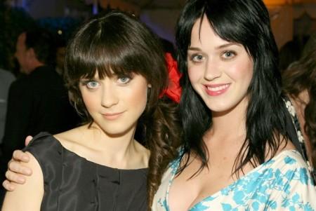 Russell Brand flirta con Zooey Deschanel, la sosia di Katy Perry