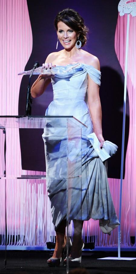 Kate Beckinsale in vivienne westwood e ferragamo