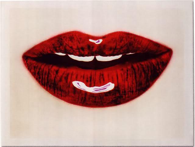 Rossetto rosso per labbra sottili