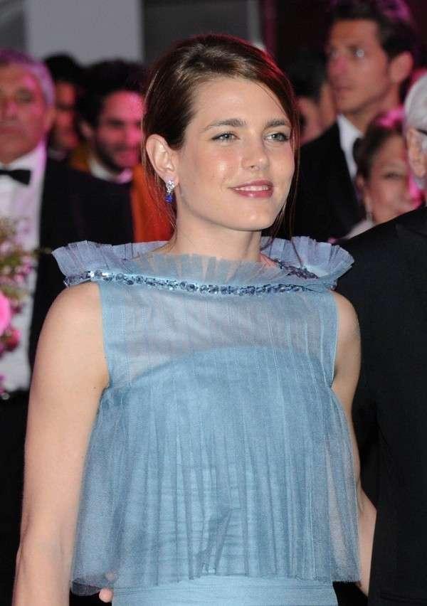 Charlotte Casiraghi in Chanel al Ballo della Rosa [FOTO]