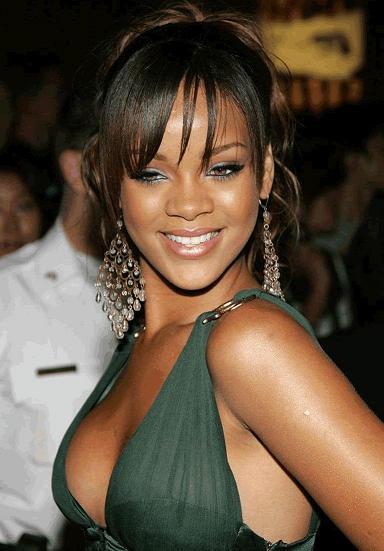 Dieta dimagrante per Rihanna: la cantante ritrova una forma perfetta