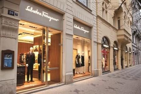 Salvatore Ferragamo store, la griffe apre un nuovo punto vendita a Praga
