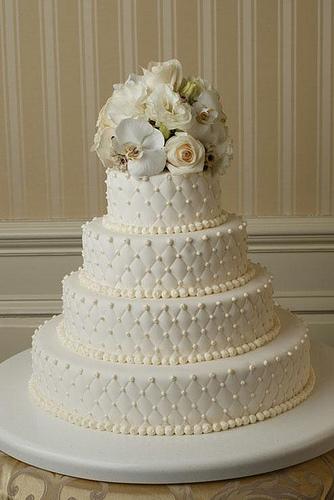 torta nuziale bianca