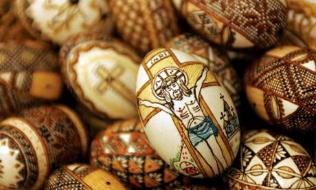 Pasqua e Pasquetta in giro per il mondo, tra riti, tradizioni e specialità gastronomiche