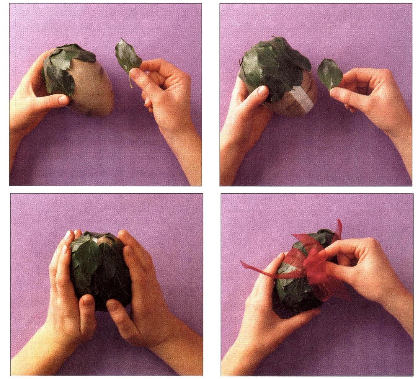 Uova di Pasqua rivestite di foglie d'edera