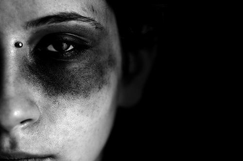 La violenza sulle donne è emergenza sociale, il web e le piazze si mobilitano