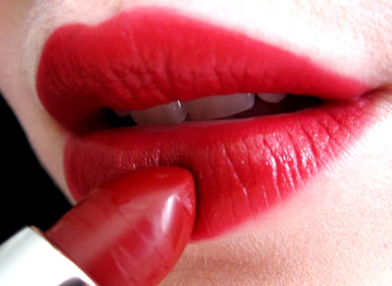 Come applicare il rossetto: una guida per non sbagliare