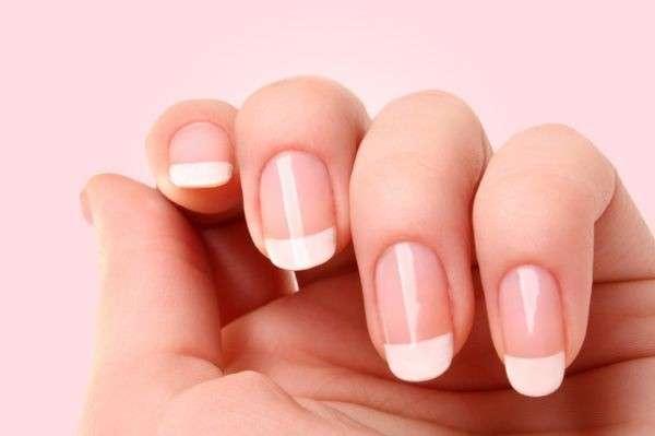 French manicure fai da te, per essere sempre in ordine