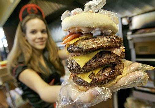 Junk food, arriva l'hamburger da 10.000 calorie