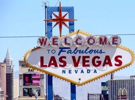 Come sposarsi a Las Vegas: quanto costa e quali documenti servono