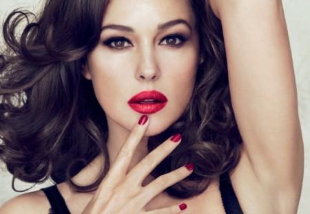 Dolce & Gabbana, la collezione make up firmata da Monica Bellucci