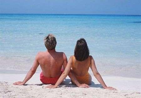 Vacanze estate 2012, le 10 regole di bon ton da seguire in spiaggia [FOTO]
