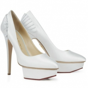 charlotte olympia decolletes