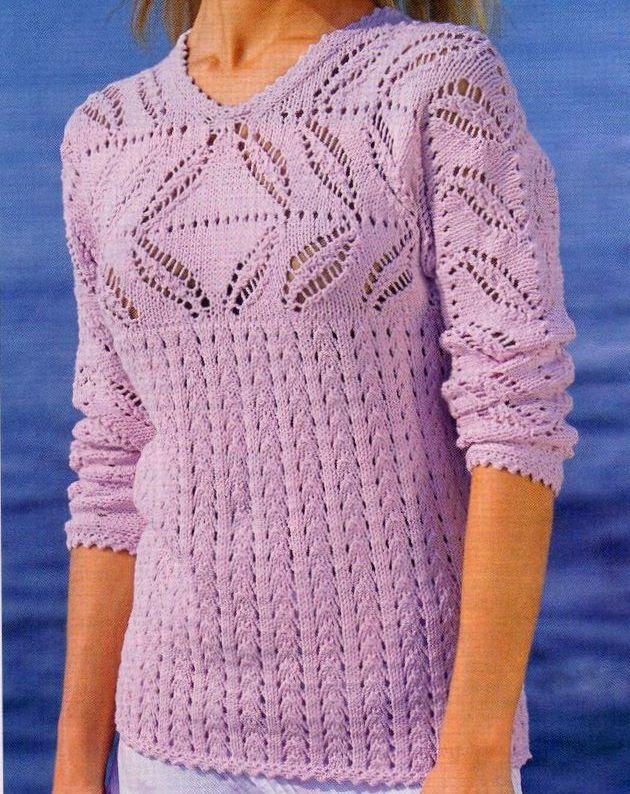 Lavori a maglia per creare una t-shirt rosa a punto ajour