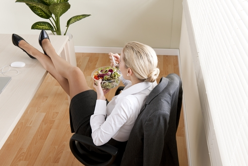 Perdere peso in pausa pranzo con dieta e fitness