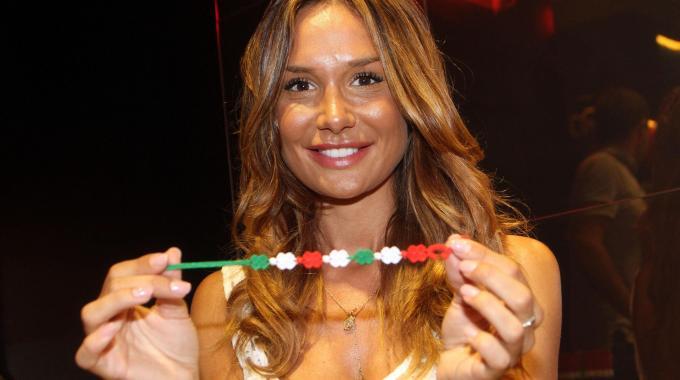 Il braccialetto Cruciani tricolore dedicato a Nicole Minetti
