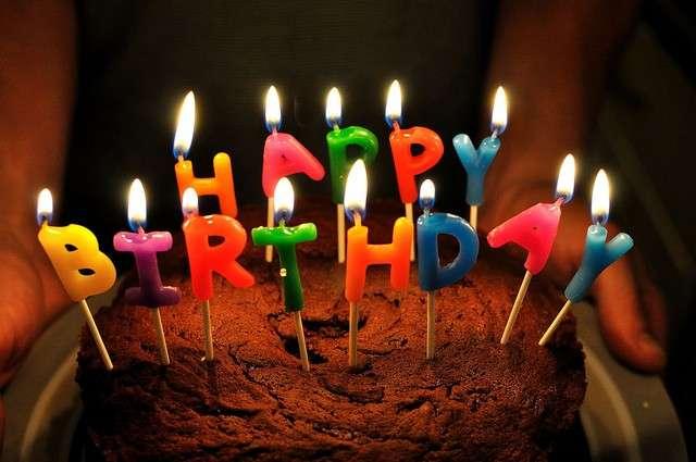 Tavolo Compleanno Uomo : Come addobbare una tavola di compleanno foto pourfemme