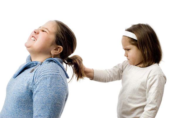Bambini aggressivi, come gestirli ed educarli