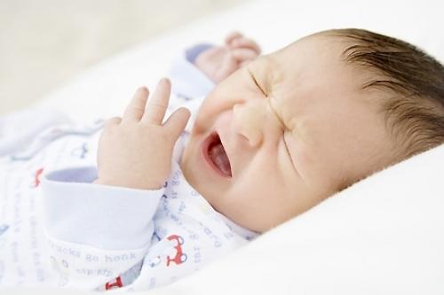 Coliche del neonato: cause, rimedi e cibi da evitare