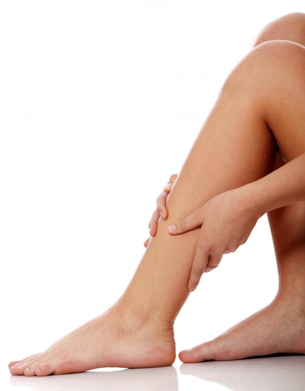 Crampi al polpaccio: rimedi e cause