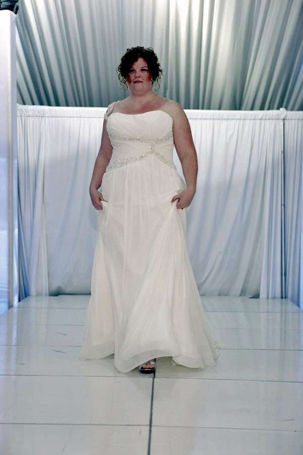 Abito da sposa cercasi XXL, cosa fare se la sposa è curvy [FOTO]