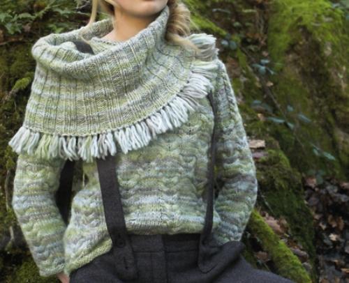 Crea con i nostri schemi a maglia un pull con collo maxi