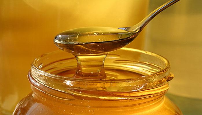 Zucchero o miele? Qual è meglio per la tua dieta?