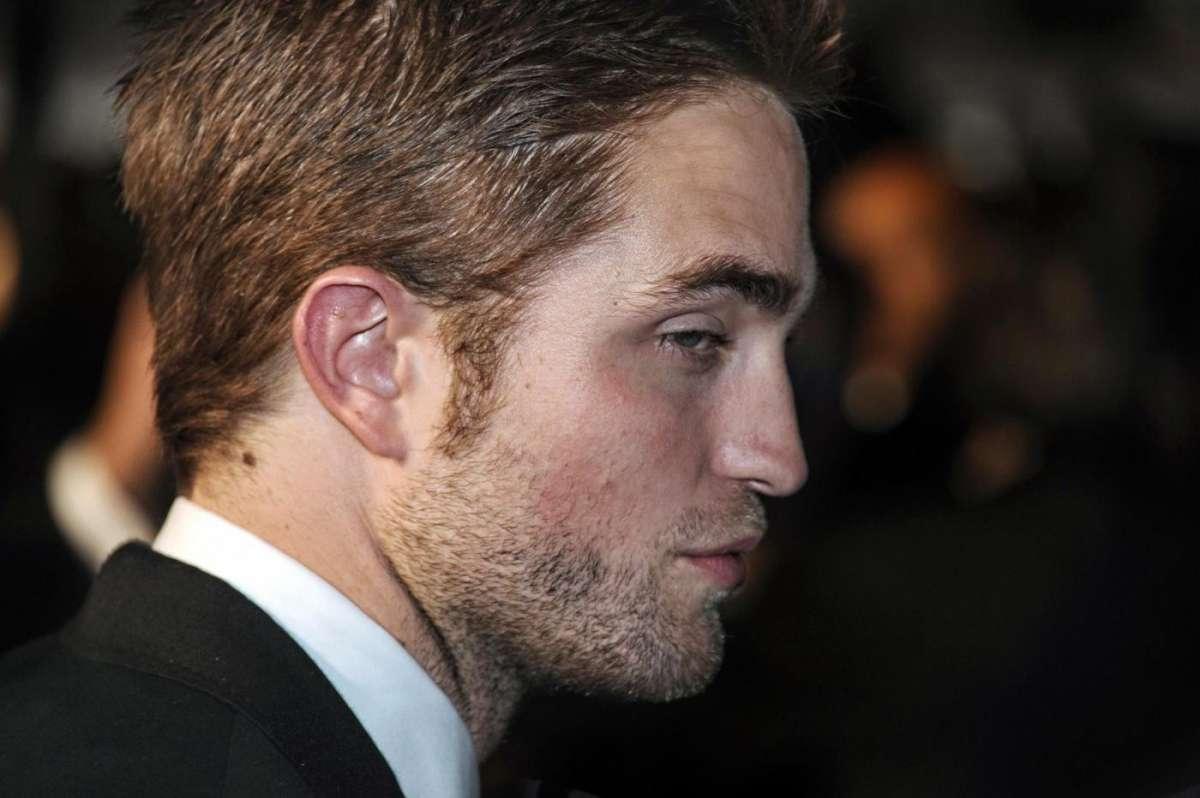 La classifica degli uomini più belli del mondo, vince Robert Pattinson [FOTO]