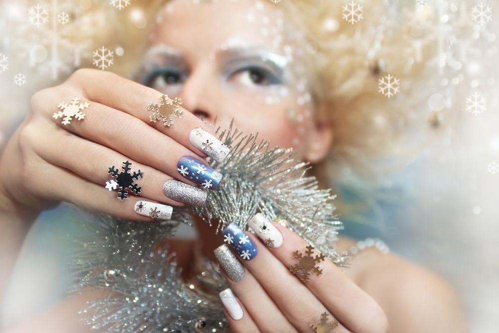 Unghie gel per Natale, le più chic e glamour