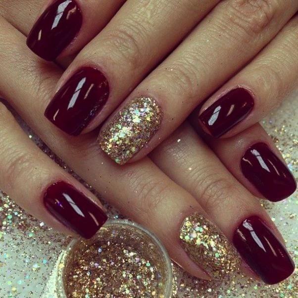 unghie natalizie rosse e oro