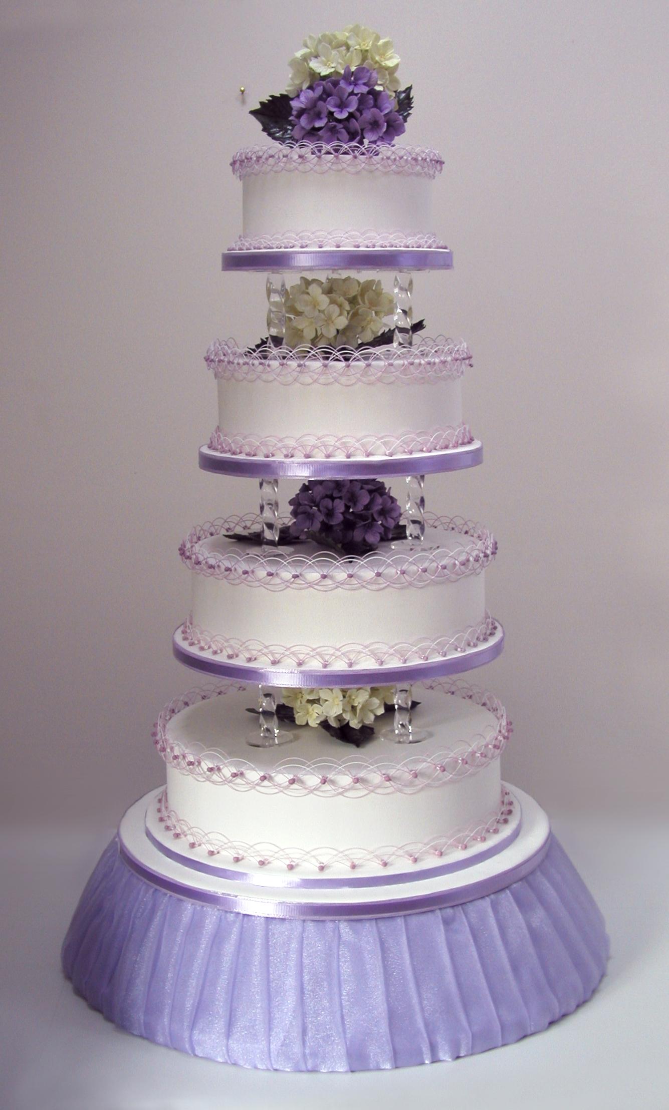 torta a piani lilla